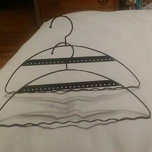 Set of 2 jewelry hangers